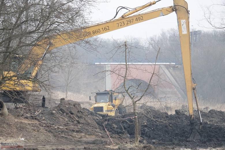 Trwa remont parku im. H. Sienkiewicza na Słodowie we Włocławku.Ta inwestycja pochłonie ponad 14 mln zł. Wydatki w większości pokryją dotacje. Prace mają