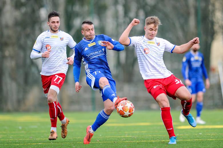 Odra Opole pokonała Miedź Legnica 2-0.