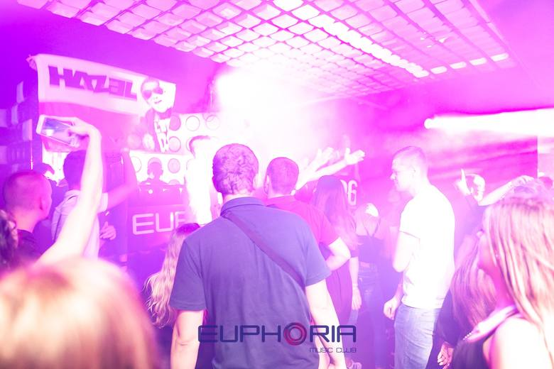 DJ Hazel w Euphoria Music Club Łeba. Zapraszamy do galerii zdjęć.