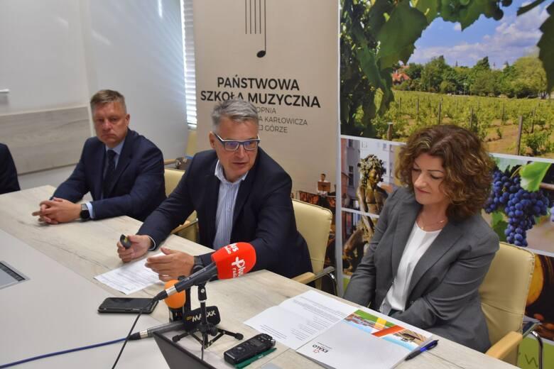 Konferencja prasowa - podpisanie umowy na drugi etap budowy szkoły muzycznej w Zielonej Górze - 14 września 2021 roku