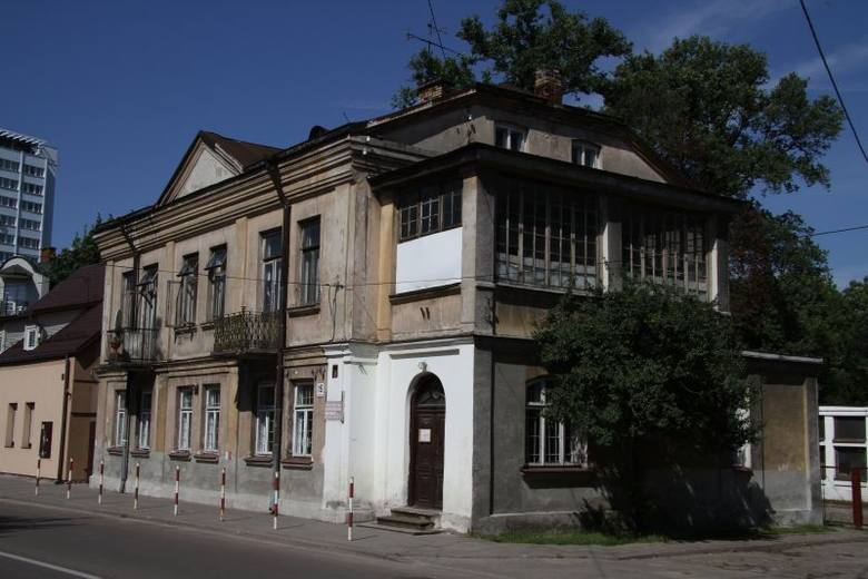 Ul. Słonimska 15. Przedszkole i żłobek w dawnym domu Zbirohowskich-Kościów (zdjęcia)