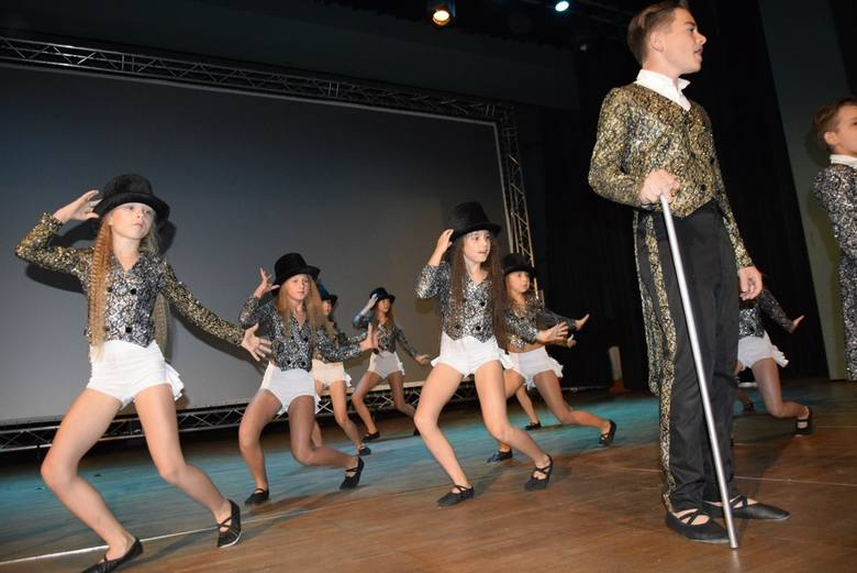 W czwartek w Kinoteatrze Polonez odbył się dzień Inwalidy 2019, zorganizowany przez Polski Związek Emerytów, Rencistów i Inwalidów. Były życzenia i podziękowania, odznaczenia i upominki. Wydarzenie uświetnili uczniowie skierniewickiej szkoły muzycznej i grupa taneczna z Centrum Kultury i Sztuki....