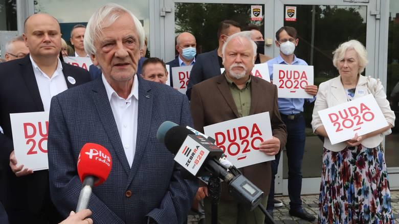 Politycy PiS-u na czele z wicemarszałkiem Ryszardem Terleckim zachęcali w niedzielę do oddania głosu na Andrzeja Dudę.