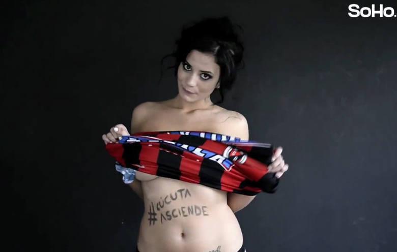 Alejandra Omana Ruiz – od kilku dni kibice piłkarscy, i nie tylko, znają to nazwisko lepiej niż niejednego kolumbijskiego zawodnika. Zobacz, co ta dziennikarka