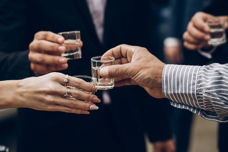 Wódka jest bardzo chętnie wybieranym trunkiem przez barmanów do mieszania i miksowania koktajli na całym świecie.