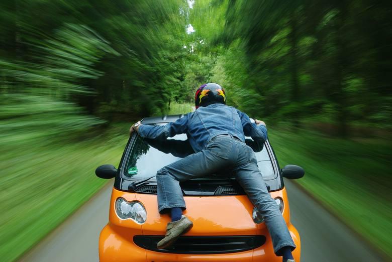 TARYFIKATOR MANDATÓW 2018 - sprawdź, ile zapłacisz za najczęstsze przewinienia drogowe!