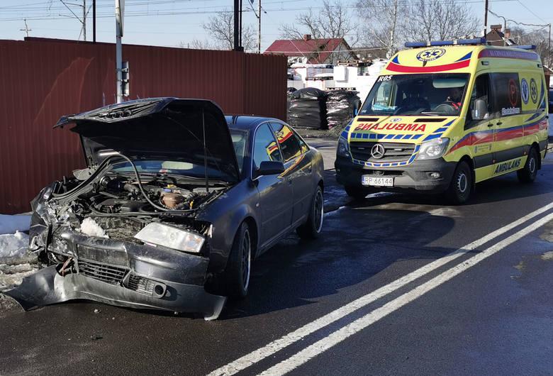 Zderzenie fiata z audi na ul. Lwowskiej w Przemyślu. Na szczęście nikt nie został ranny [ZDJĘCIA]