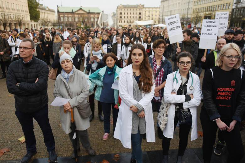 """Rezydenci: """"Jesteśmy już sfrustrowani. Możliwa zmiana formy protestu"""""""