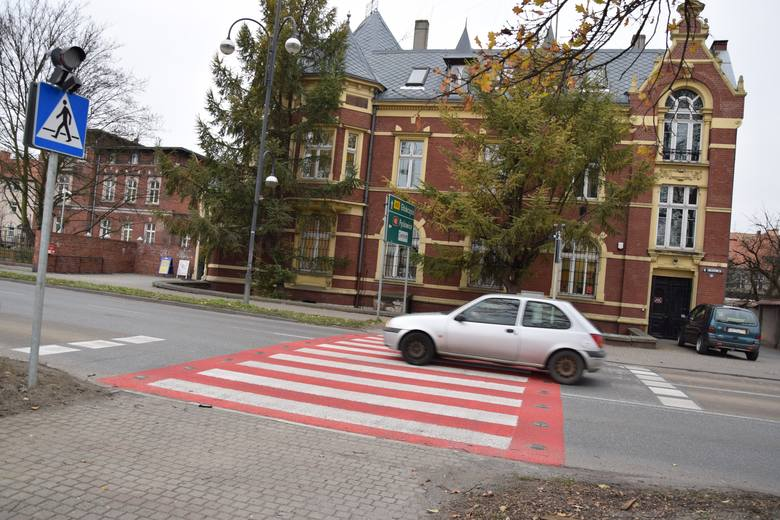Inteligentne przejście na ul. Łukasiewicza w Kędzierzynie-Koźlu sfinansowano z rządowego programu.
