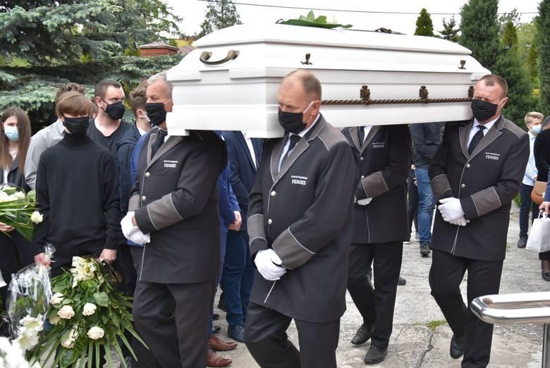 W kościele pw. bł. Michała Kozala na Winiarach w Kaliszu odbył się pogrzeb Dominika, który kilka dni wcześniej zmarł po fatalnym upadku na skateparku.