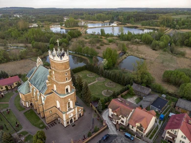 8. Chodel - dawne miasto z renesansowym kościołem• około 46 km od Lublina• dojazd autem zajmie około 40 minut• Chodel był miastem, ale burzliwe czasy