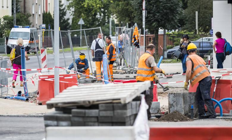 Gruntowna modernizacja Szosy Chełmińskiej (z budową nowej nitki włącznie) trwa od kwietnia, a zakończy się w czerwcu przyszłego roku. W najbliższym czasie odcinek od ulicy Długiej do ulicy Polnej zostanie całkowicie zamknięty, przynajmniej na miesiąc...<br />