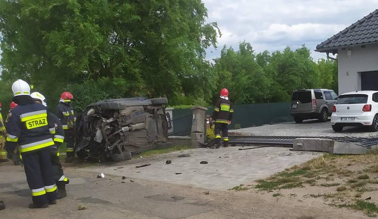 Cztery osoby trafiły do szpitala po wypadku, do którego doszło w podgorzowskiej miejscowości Ulim (gmina Deszczno). Okazało się, że kierowca samochodu