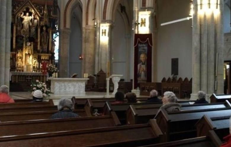 Oczy ze zdziwienia przecierali parafianie, który w minioną niedzielę wybrali się na nabożeństwo do jednego z kościołów w gminie Piątek. Podczas mszy
