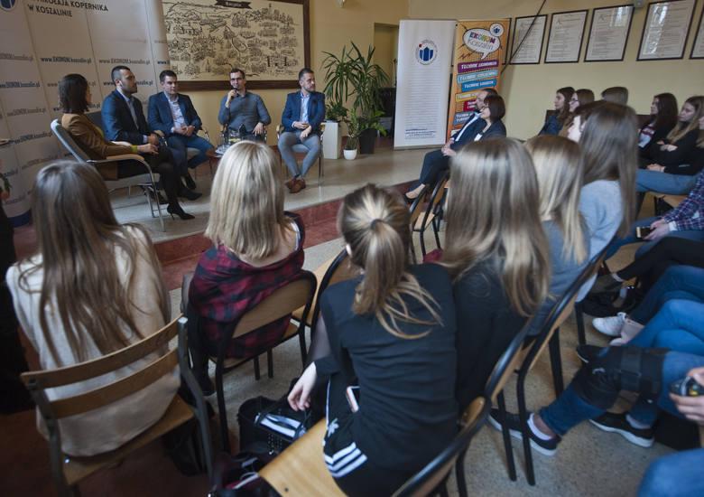 Spotkanie z byłymi absolwentami ZS nr 1 przyciągnęło tłumy zainteresowanych.