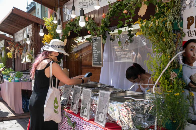 Na Małym Rynku w Krakowie rozpoczął się XVIII Festiwal Pierogów [ZDJĘCIA]