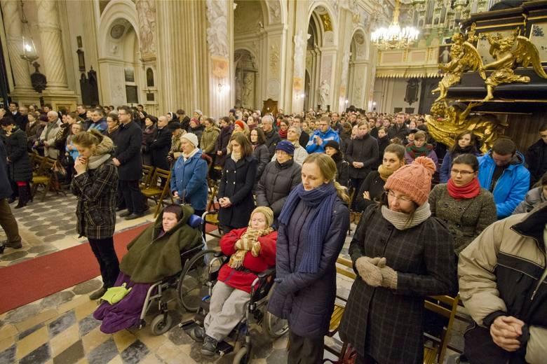 Do kościoła św. Anny w Krakowie chodzi więcej osób niż liczy parafia