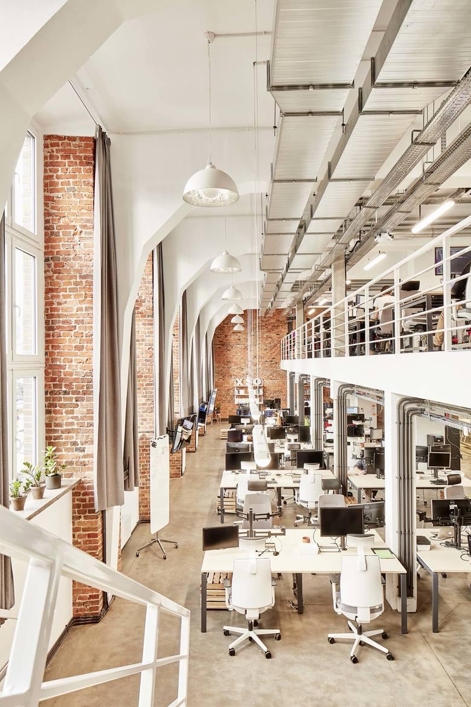 Gliwice. Oddana do użytkowania w 2017 roku nowa siedziba firmy Xsolve w dawnym Liceum Medycznym, wybudowanym w 1927 roku.  Wnętrza: pracownia Rafała