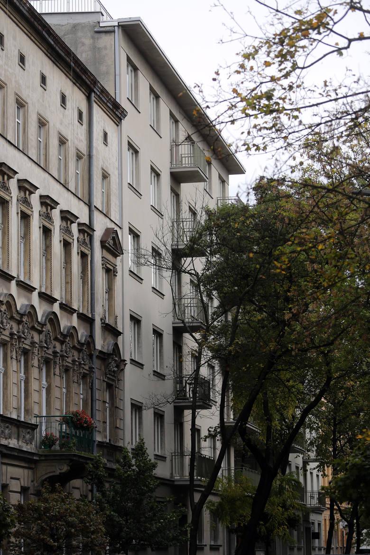 Budynki przy ulicy Sarego 22, 24 i 26
