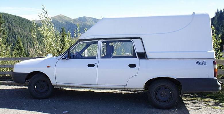 Były i takie Dacie: pikapa z podwójną kabiną i napędem na obie osie zaczęto produkować w roku 1994
