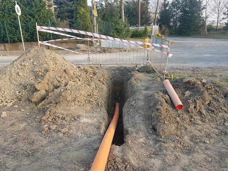 Ruszyły w Lisewie prace przygotowawcze związane z budową sieci gazowej. W kolejnych tygodniach nastąpi położenie sieci od zakładu państwa Ritter poprzez