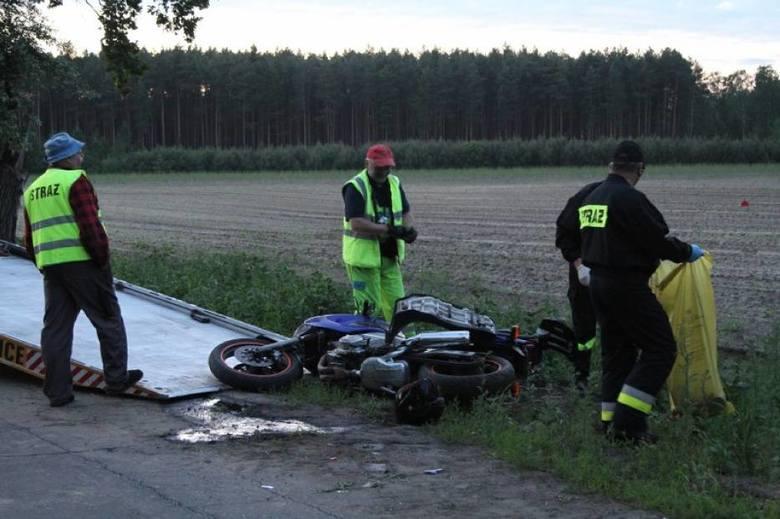 W czwartek w miejscowości Boruja w powiecie wolsztyńskim doszło do wypadku. 39-letni motocyklista uderzył w przydrożne drzewo i poniósł śmierć na miejscu.