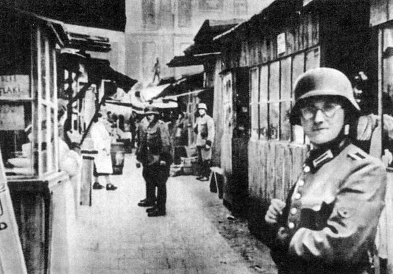 Niemiecka obława na Kercelaku, największym z warszawskich targowisk (12 maja 1942 r.)