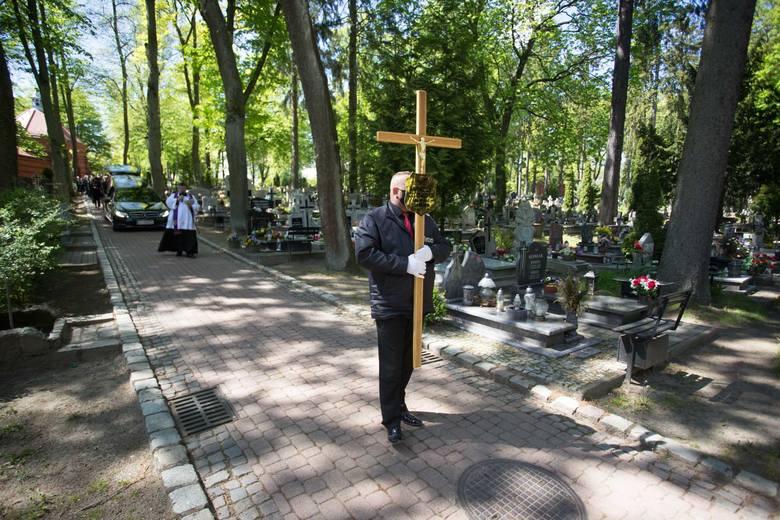 Ceremonia pogrzebowa Andrzeja Szczepańskiego na Starym Cmentarzu Komunalnym w Słupsku [ZDJĘCIA]