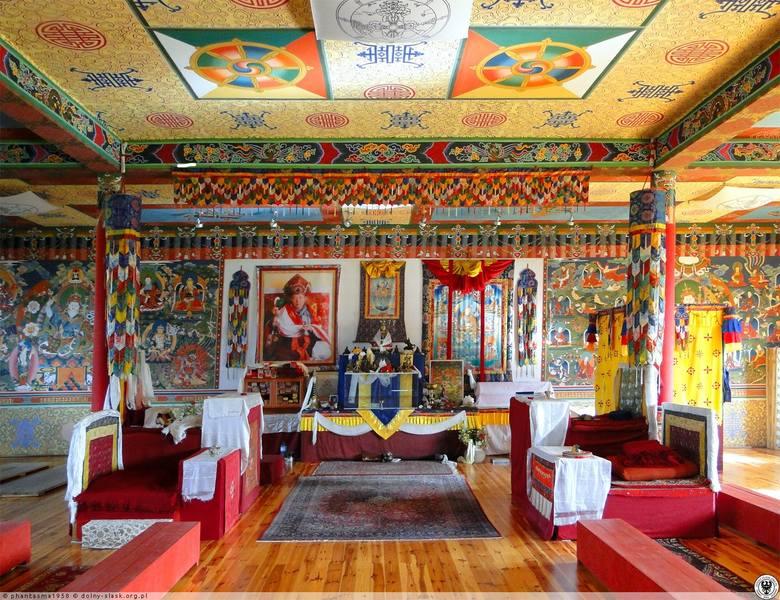 Jedyna taka świątynia buddyjska w Polsce. Ośrodek medytacji i odosobnienia
