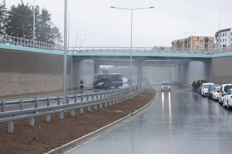 Białystok. Trasa niepodległości. Zderzenie autobusu i dwóch osobówek. Służby ćwiczyły na wypadek masowego zdarzenia [ZDJĘCIA]