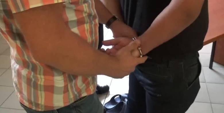 Śląsk: 22-latek z Zabrza porywał i przetrzymywał zakładników. Zmuszał ich do oszustw