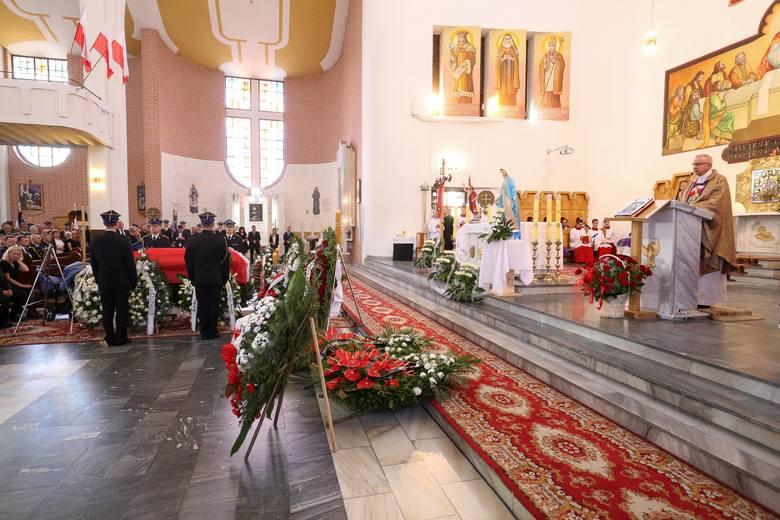 Pożar na Dojlidach. Pogrzeb strażaków. Marek Giro został pochowany
