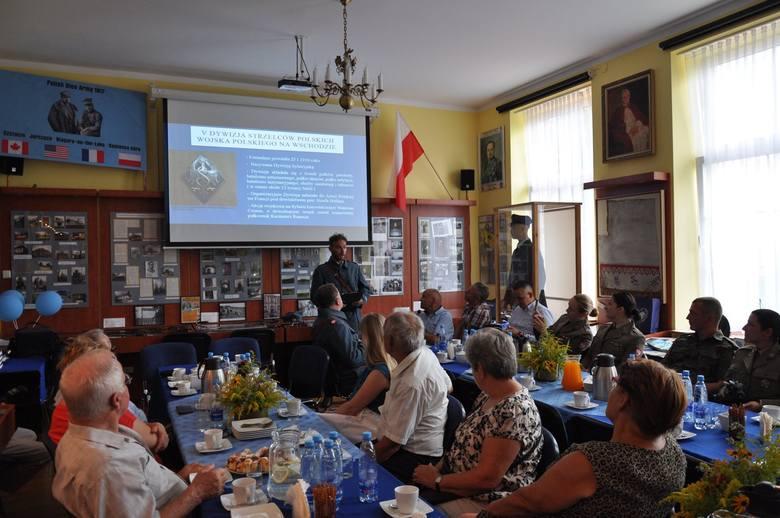 Setna rocznica powrotu Błękitnej Armii do Polski. Jubileuszowe obchody w Jurczycach [ZDJĘCIA]