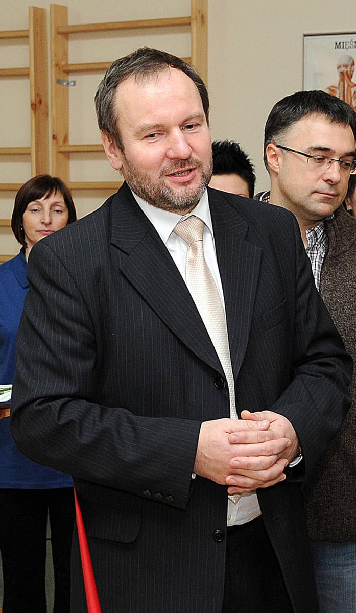 Adam Roślewski kategoria: Biznes powiat: Szczecin menadżer w służbie zdrowia, nominowany za usprawnianie służby zdrowia poprzez doradztwo i wsparcie
