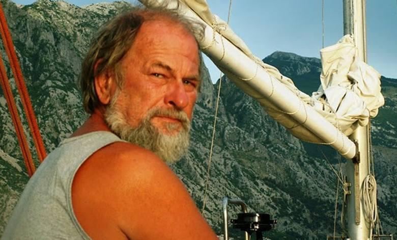 Przez 32 lata Jerzy Radomski prowadził życie obieżyświata. Teraz wraca do domu na stałe. Dla żeglarzy jest jak guru. Już za życia stał się legendą.