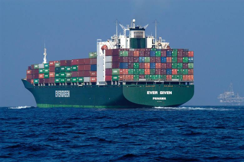 Kontenerowiec zablokował ruch na Kanale Sueskim