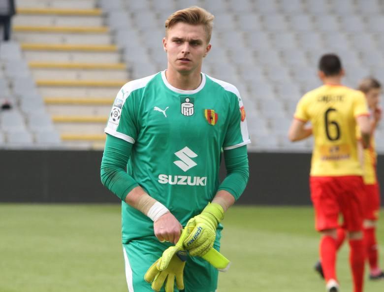 19-letni wychowanek Rzemieślnika Pilzno rozegrał pełne 90 minut w bramce Korony w starciu z Legią Warszawa (1:2).Oceny za #KORLEG (0-6): 3,5: Żubrowski,