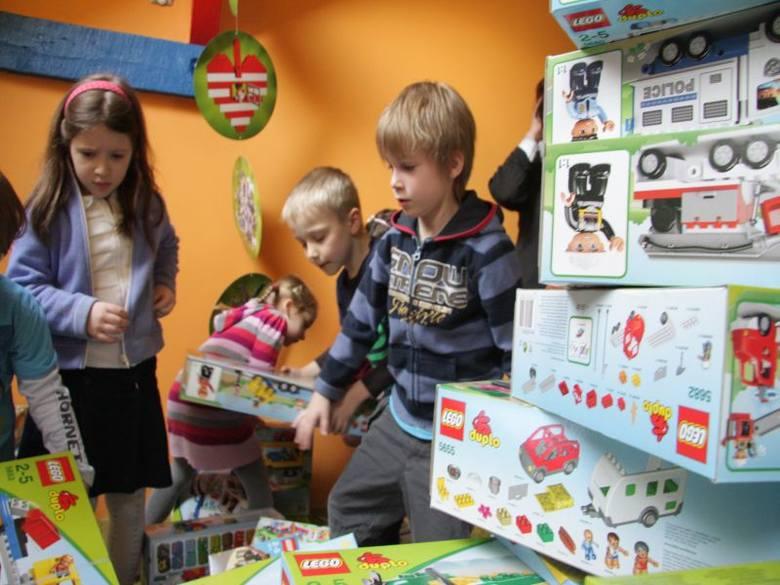 Dzieciom sala klocków Lego do gustu przypadła błyskawicznie.