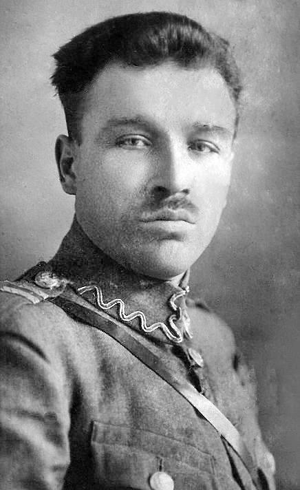 Stanisław Wadas – legionista, przyjaciel z Legionów marszałka Edwarda Rydza-Śmigłego, właściciel restauracji w Międzyrzecu Koreckim.