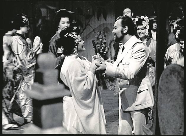 """Rok 1965 r. W reperturze bydgoskiej sceny znalazła się """"odnowiona"""" opera """"Madama Butterfly""""  Giacomo Pucciniego."""