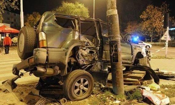 16 października 2011 roku 17-letni wówczas Adrian W. nie mając prawa jazdy wsiadł za kierownicę należącej do jego rodziców toyoty crusier.Jak później