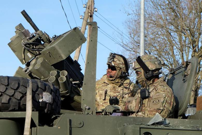 Amerykańskie wojsko w Białymstoku. Hummery i strykery w koszarach przy ul. Kawaleryjskiej (zdjęcia, wideo)