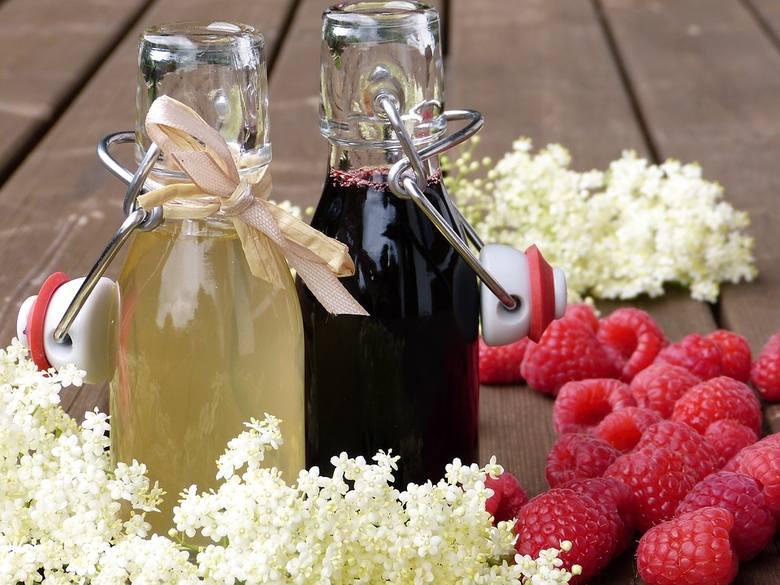 Lecznicze właściwości darów natury znane są od lat. Nasze babcie skutecznie leczyły choroby, wykorzystując do tego soki i wyciągi z kwiatów, roślin czy