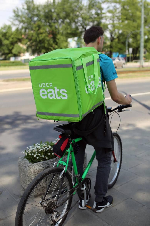 23.05.2018 krakow, uber eats, dostawa jedzenia, nzfot. andrzej banas / polska press