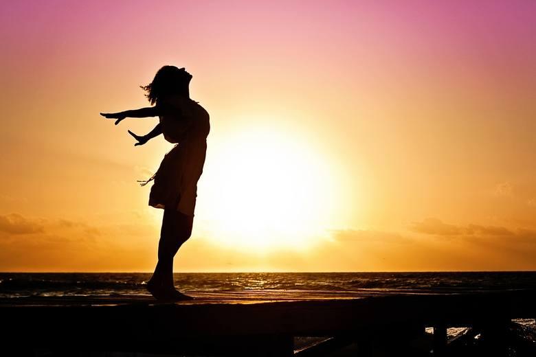 Poziom zadowolenia ze swojego życia określasz jako umiarkowany? Chcesz coś zmienić, ale nie wiesz co? Jeśli wciąż nie wiesz, co zrobić, by twoje życie