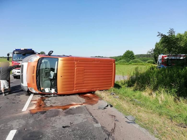 We wtorek około godz. 8.30 służby ratunkowe powiadomione zostały o zdarzeniu drogowym w miejscowości Dobra w powiecie przeworskim. W zderzeniu fiata