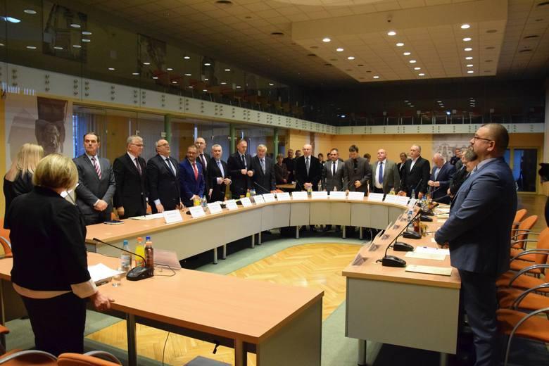 Sesja rady miejskiej w Kluczborku.