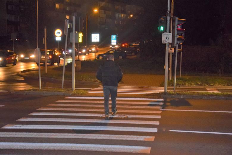 ZIELONA GÓRA. Batorego, Rzeźniczaka, Zamoyskiego - niebezpieczne skrzyżowanie. Mieszkańcy apelują o zmiany