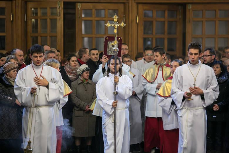 Czy dziś trzeba iść do kościoła? Takie pytanie zadaje sobie niejeden katolik przy okazji rozmaitych świąt w trakcie roku liturgicznego. Czy 3 maja trzeba