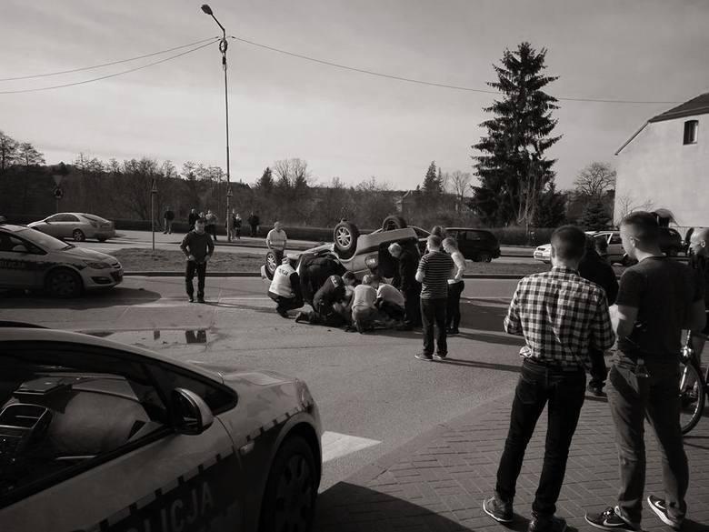 Kraksa na rondzie Wyszyńskiego w Gorzowie